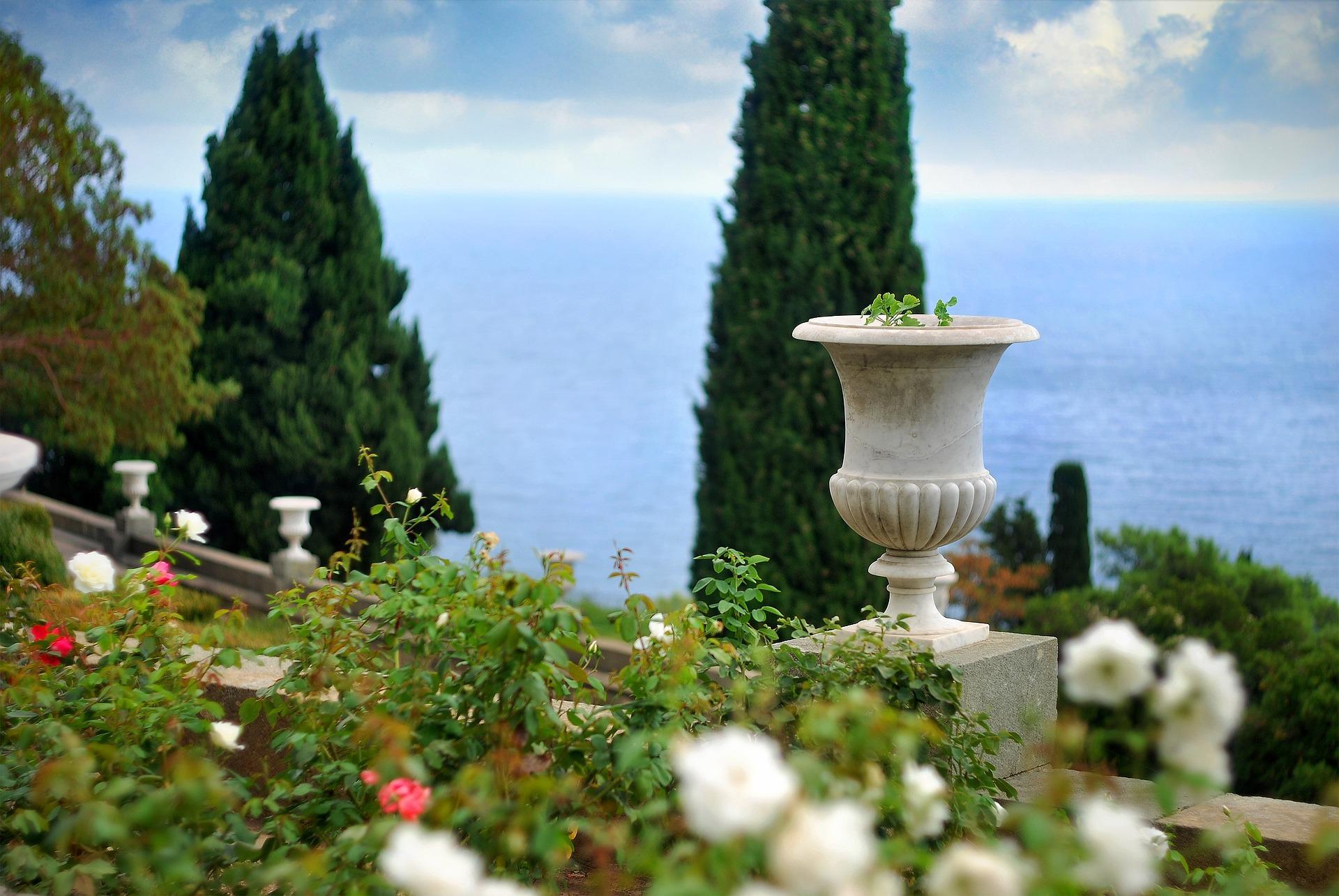 garden-1337563_1920