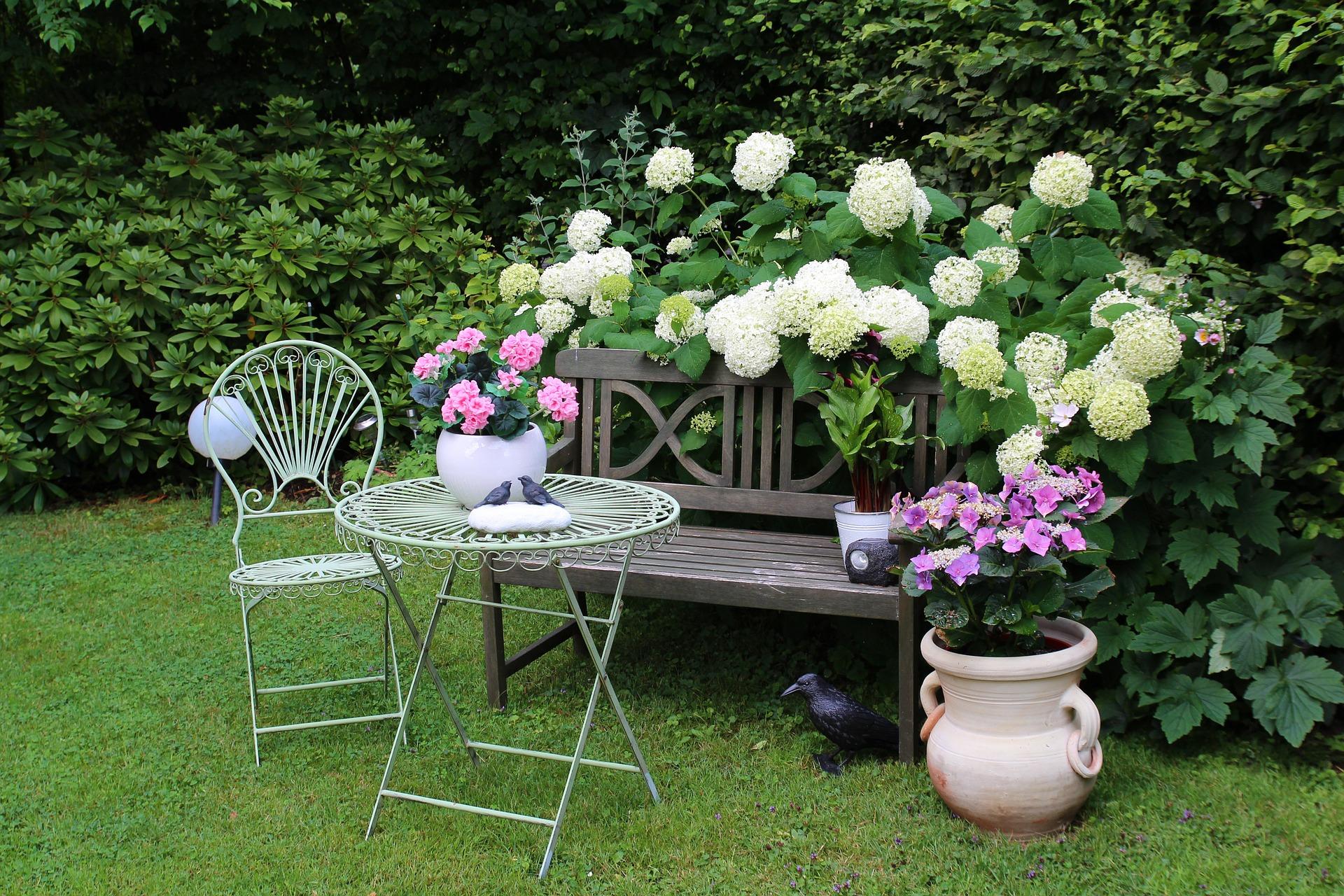 garden-948559_1920